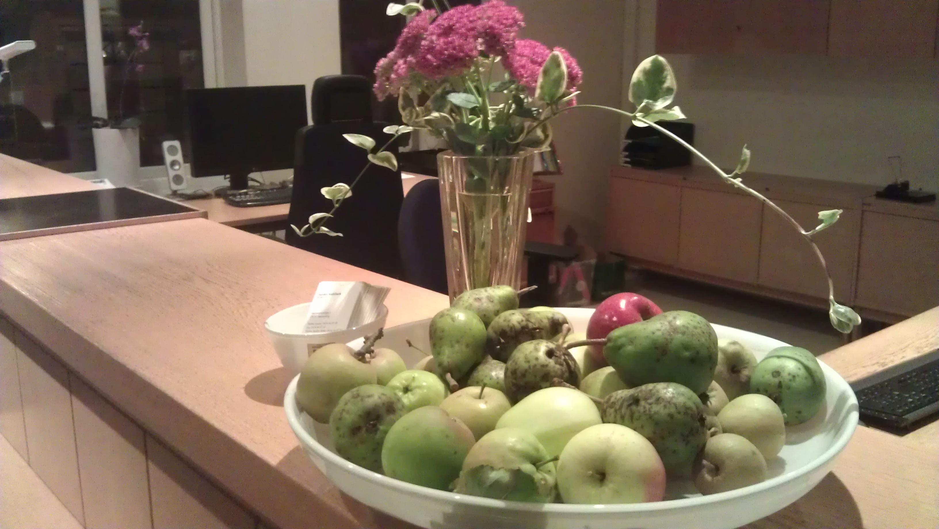 Obesprutade äpplen och päron